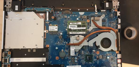 - (Hardwarefehler, Laptop geht aus)